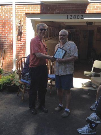 Tim N3QE presenting Lar K7SV the club award for 2015 Florida QSO party